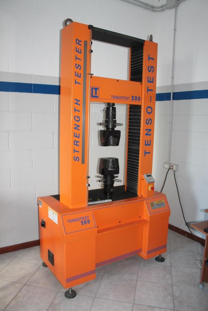Fiberglass GRP Plastic Glass Tesion Machine Test Ftrazione PRFV Laminati.JPG